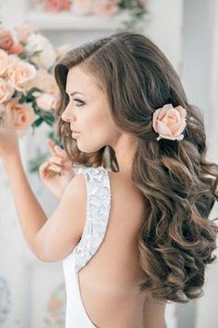 10 peinados florales creativos para un joven novia de primavera