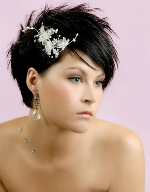 15 peinados de boda de la diversión para las novias con el pelo corto