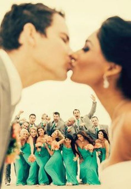 31 fotos de la diversión y de la boda fuera de la caja