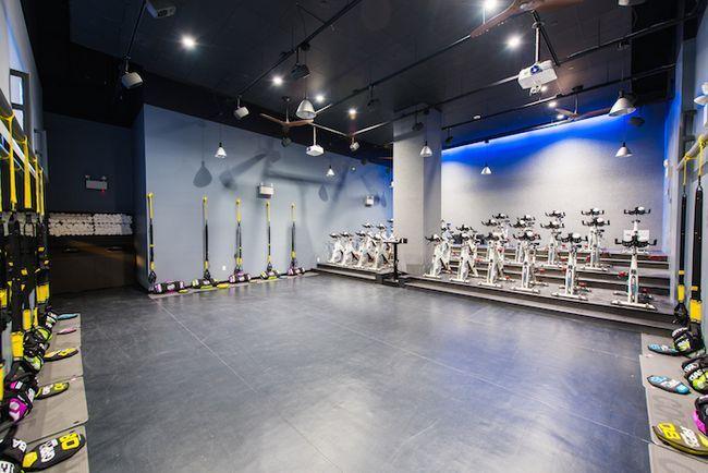 Primer vistazo: bfx nuevo estudio fidi combina entrenamiento de ciclismo y la fuerza en una habitación dulce