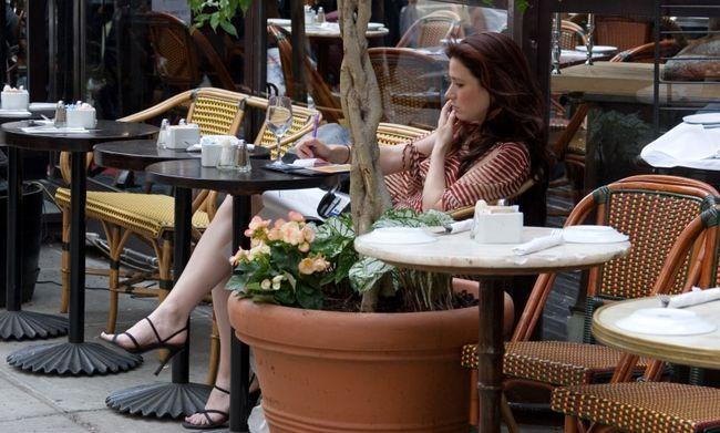 10 cosas que ninguna mujer moderna tiene que esperar a su hombre para hacer