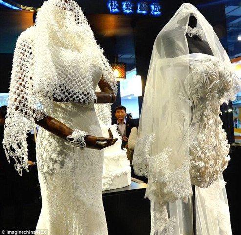 Teniendo en el futuro de la moda de novia - vestidos de boda impresas en 3D!