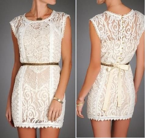 LWD (pequeño vestido blanco) en el estilo de encaje