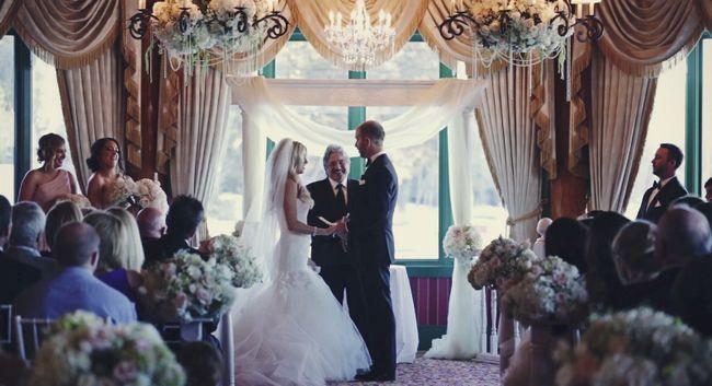 piloto de NASCAR Brian Scott, dijo entre lágrimas los votos y se casó con su hijastra