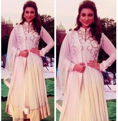 Parineeti Chopra en traje típico