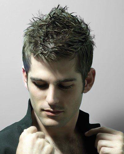 estilos rápidos y elegantes del pelo para los hombres