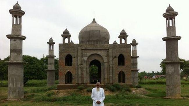 El factor que ha construido una réplica del Taj Mahal para su última esposa