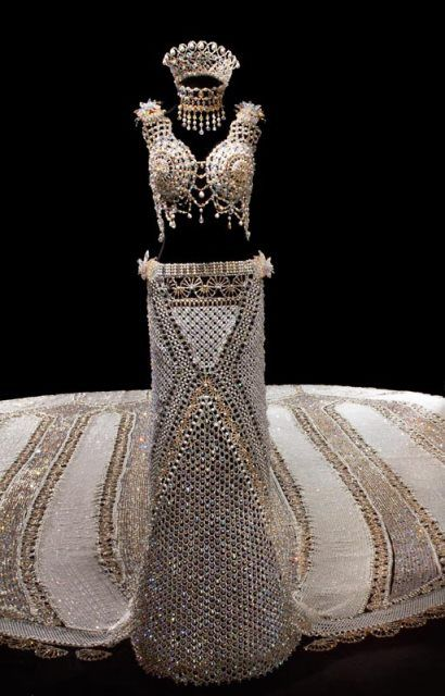 Se animarían a usar un vestido de novia de 170 kg?