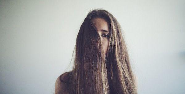 Luchas de todas las niñas con el pelo grueso saben que es verdad